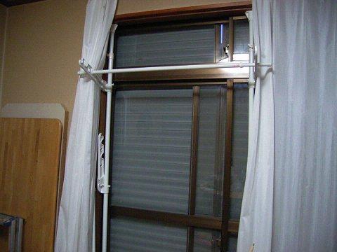 窓枠物干し、すぐれもの。